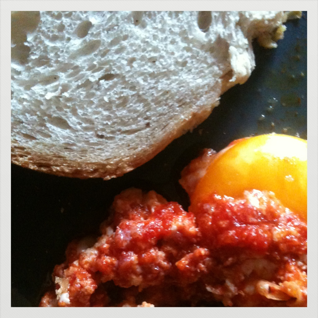 uova al pomodoro.jpg