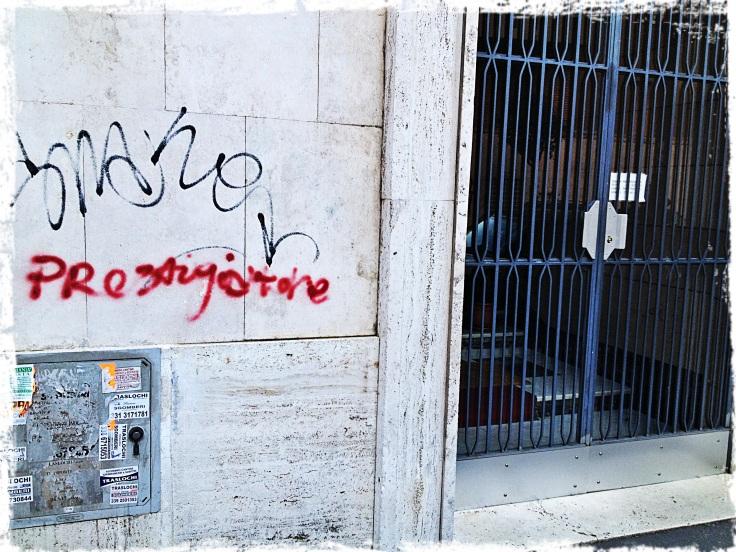 prestigiatore scritta sui muri